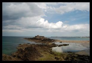 la plage et le chateau