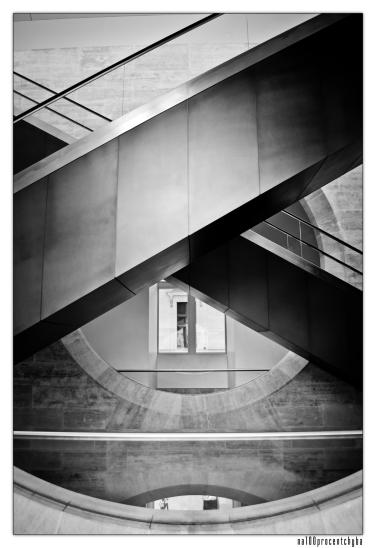 schody w luwrze