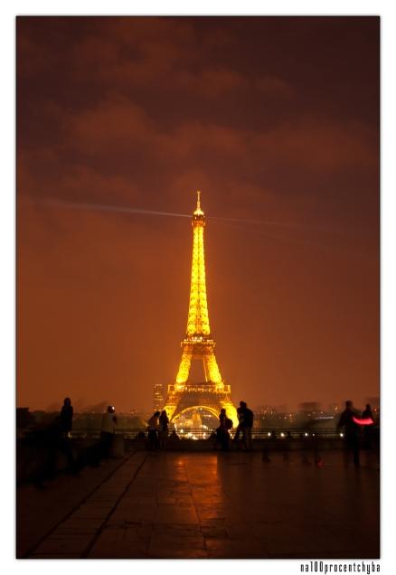 wieża z placu Trocadero - 01