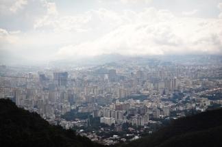 caracas_El_Teleferico_de_Caracas_widok_na_miasto_03