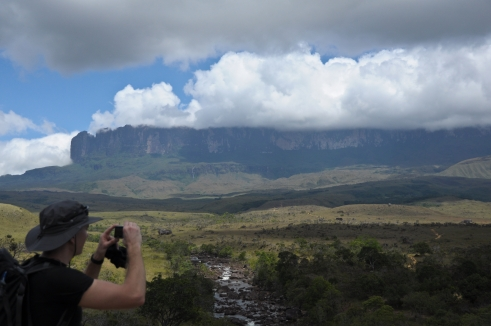 Kukenan river and a tremendous view at the Roraima.