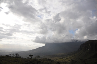 Valley between the Roraima and the Kukenan