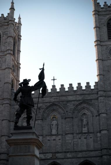Maisonneuve Monument, Place d'Armes