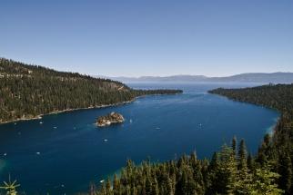Szmaragdowa zatoka jeziora Tahoe / Emerald bay of Lake Tahoe