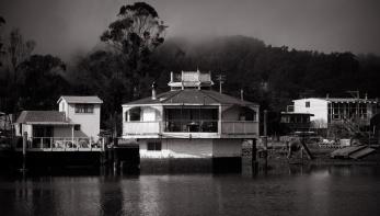 Houseboat 03