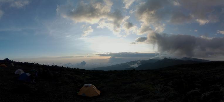 Kilimanjaro - panorama - 008 - Camp no 3
