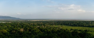 Tanzania-Lake_Manyara_National_Park-Panorama-2-DSC_5053_DSC_5062-10_images