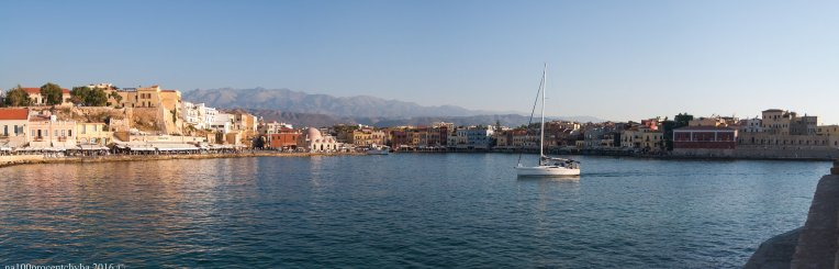 20160723-chania_old_town_and_a_boat_panorama-5-images