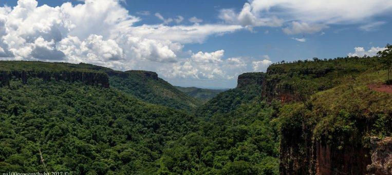 Vale do cachoeira veu de noiva - panorama 8 images